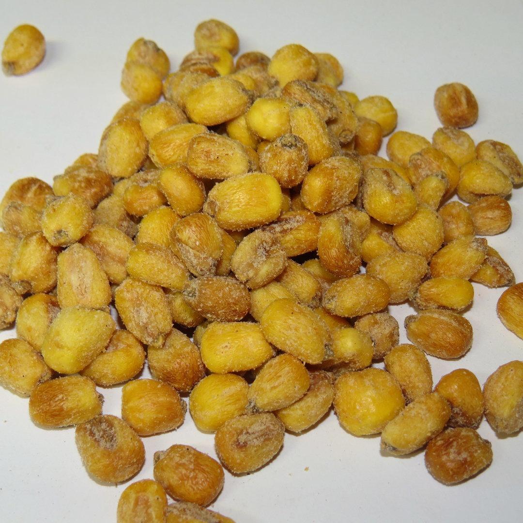 Geröstete Maiskörner